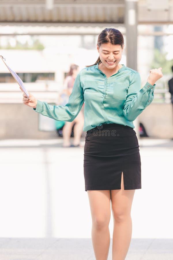 Mulher de negócio asiática do estilo de vida fotos de stock