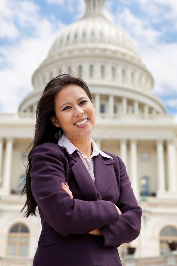 Mulher de negócio asiática em Capitol Hill fotos de stock