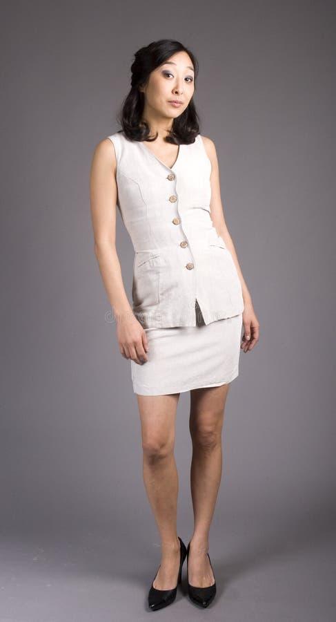 Mulher de negócio asiática no terno foto de stock
