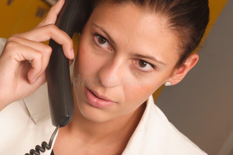 Mulher de negócio branca no telefone foto de stock royalty free