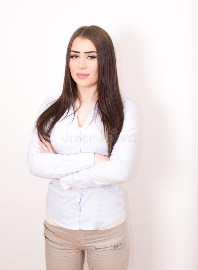 Mulher de negócio com braços cruzados fotografia de stock