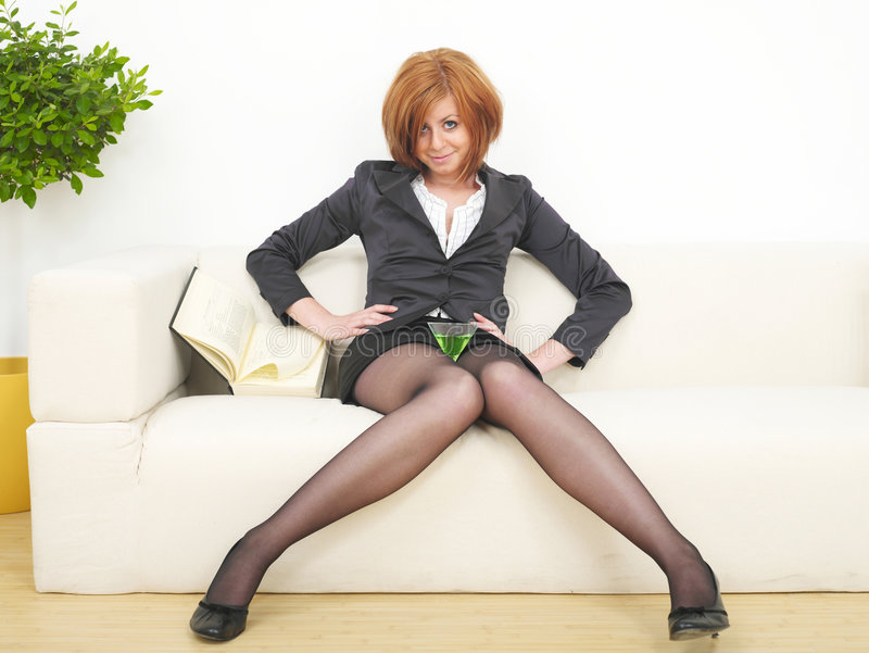 Mulher de negócio com martini foto de stock royalty free