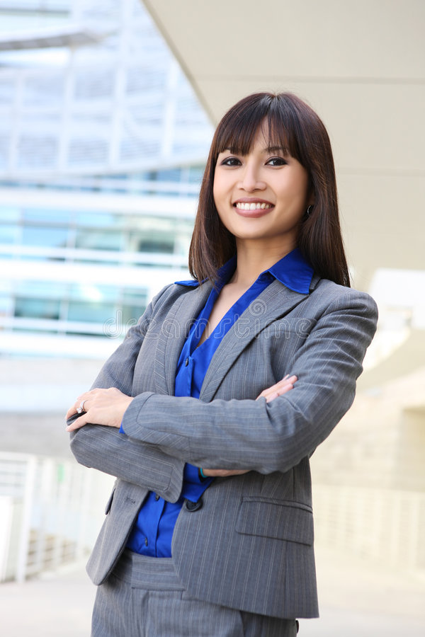 Mulher de negócio consideravelmente asiática imagem de stock royalty free