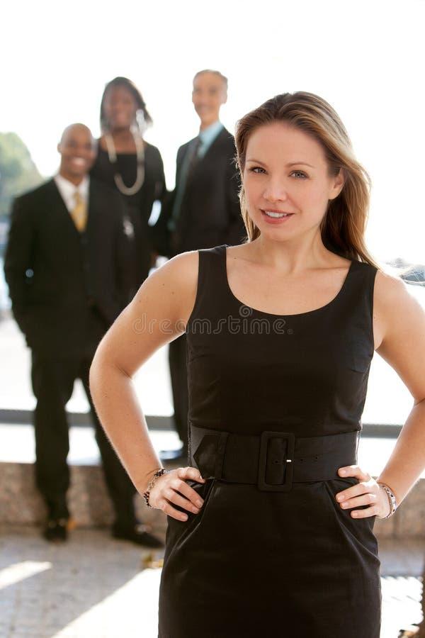 Mulher de negócio consideravelmente loura foto de stock royalty free