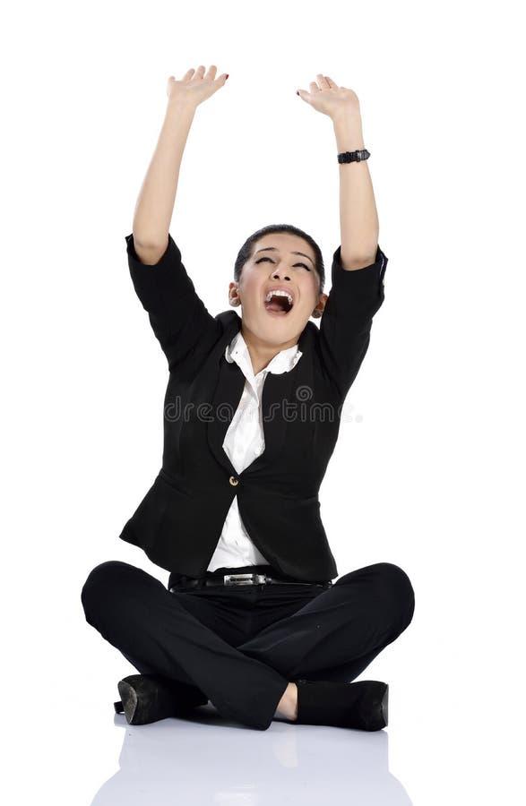 A mulher de negócio de choque está apontando fotos de stock royalty free