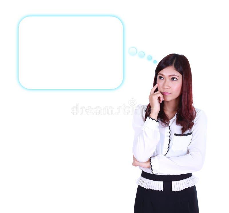 Mulher de negócio de pensamento que olha acima na bolha vazia do discurso foto de stock royalty free