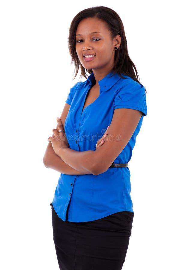 Mulher de negócio do americano africano com braços dobrados imagem de stock royalty free