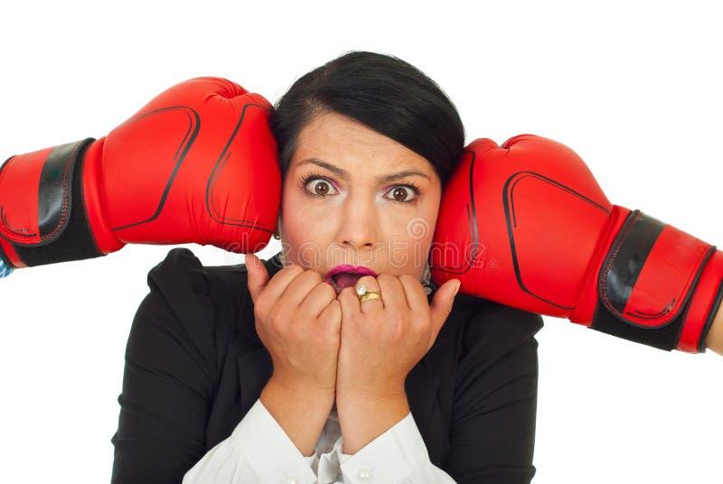 Mulher de negócio forçada sob a pressão fotografia de stock