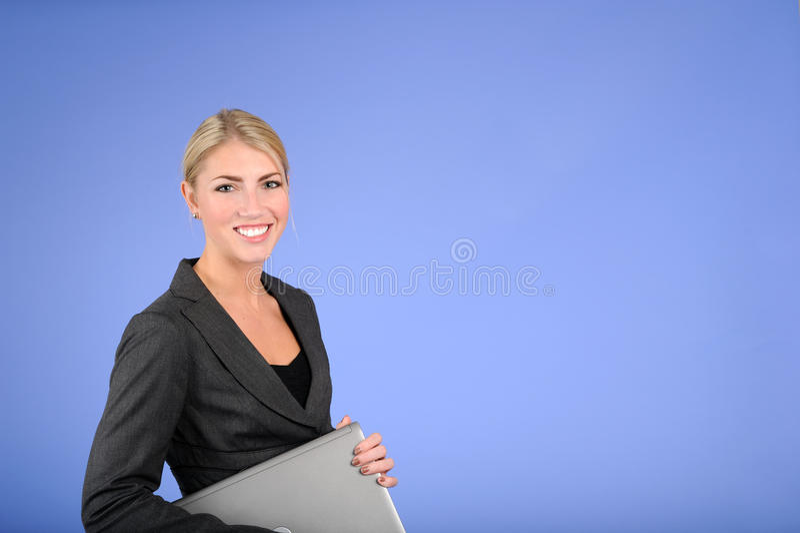 Mulher de negócio loura consideravelmente nova imagem de stock royalty free