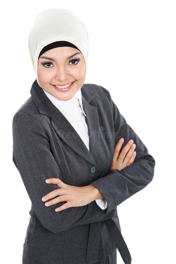 Mulher de negócio muçulmana isolada sobre o fundo branco imagens de stock royalty free