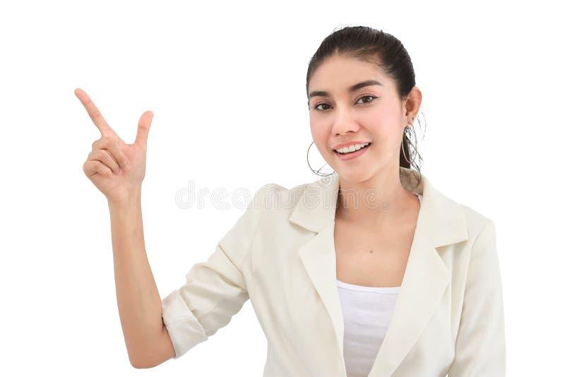 A mulher de negócio nova da beleza que tem ideias e que levanta as mãos no branco isolou o fundo imagens de stock