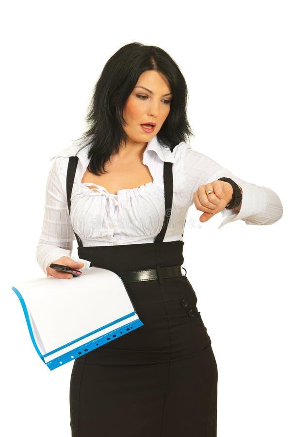 Mulher de negócio ocupada atrasada foto de stock