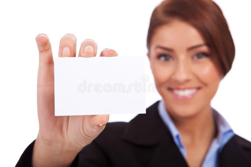 Mulher de negócio que apresenta seu cartão de visita fotos de stock