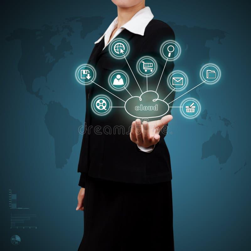 Mulher de negócio que mostra a computação da nuvem Conceito do modo do negócio fotos de stock royalty free