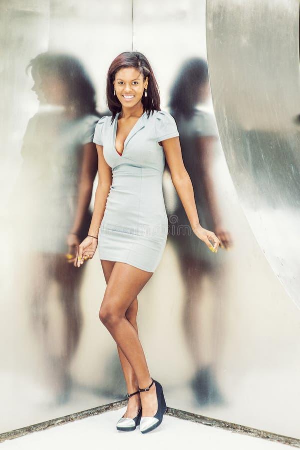 Mulher de negócios afro-americano nova Fashion em New York fotos de stock