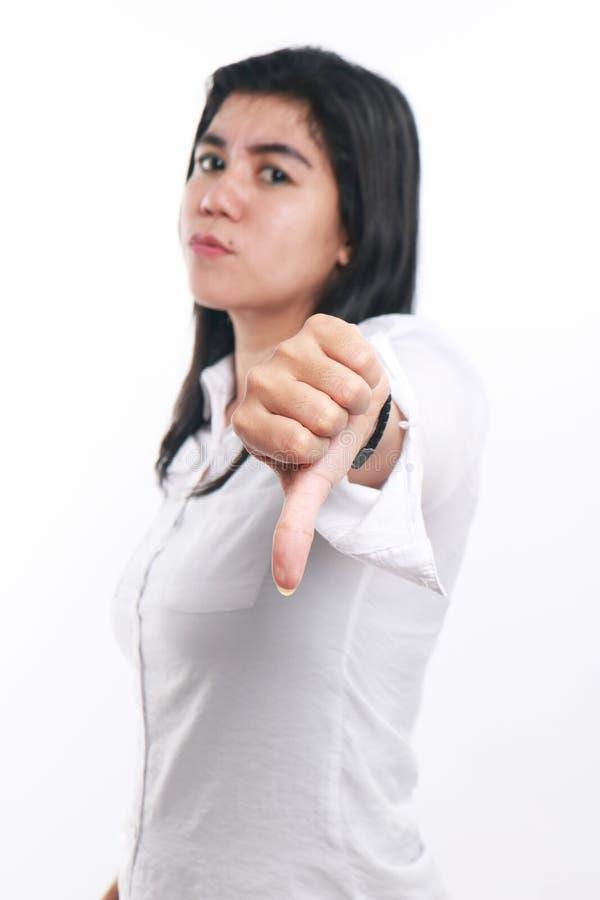 Mulher de negócios asiática nova Showing Thumb Down imagens de stock