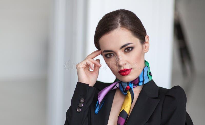 Mulher de negócios bonita nova do samrt imagem de stock royalty free