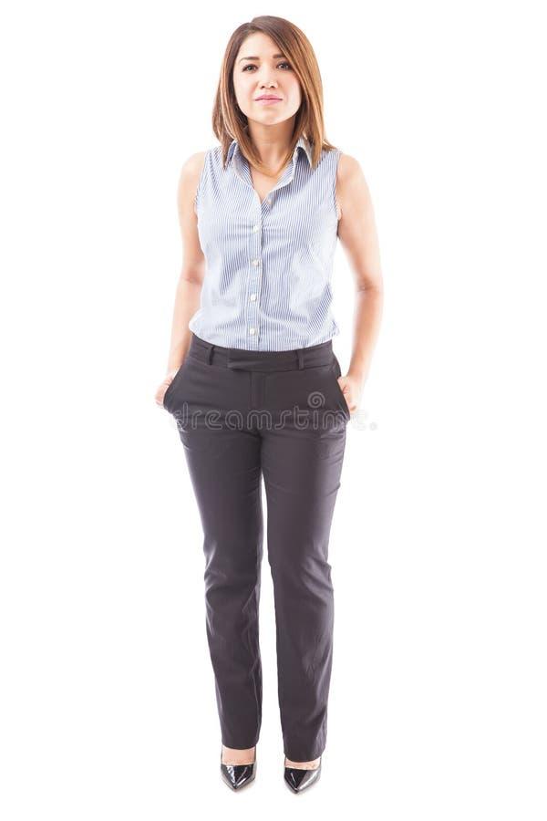Mulher de negócios bonita sem um terno fotografia de stock