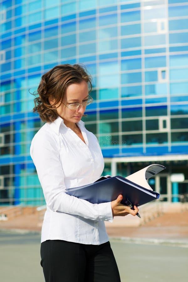 Mulher de negócios confiável. fotografia de stock royalty free