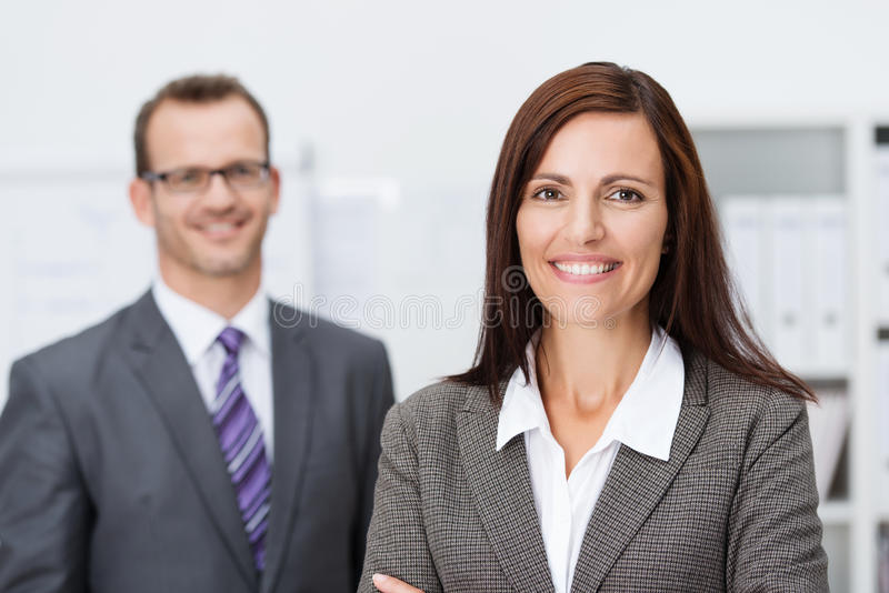 Mulher de negócios de sorriso bonita foto de stock