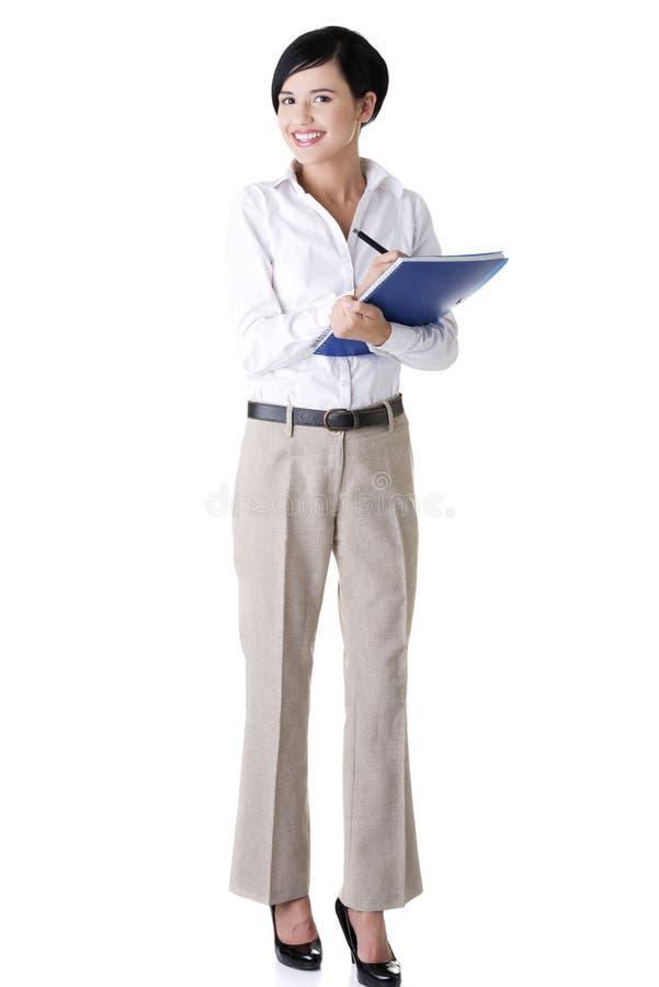 Download Mulher De Negócios De Sorriso Com Bloco De Notas Ou Organizador Foto de Stock - Imagem de originais, completamente: 26516072