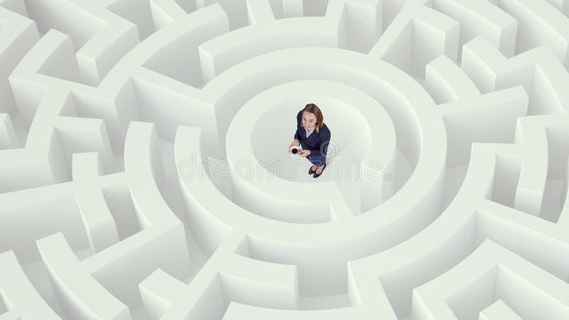 Mulher de negócios em meios mistos do centro do labirinto Meios mistos fotografia de stock