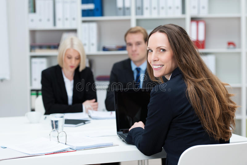 Mulher de negócios em uma reunião imagens de stock