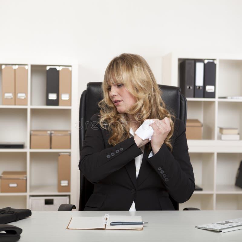 Mulher de negócios frustrante imagem de stock