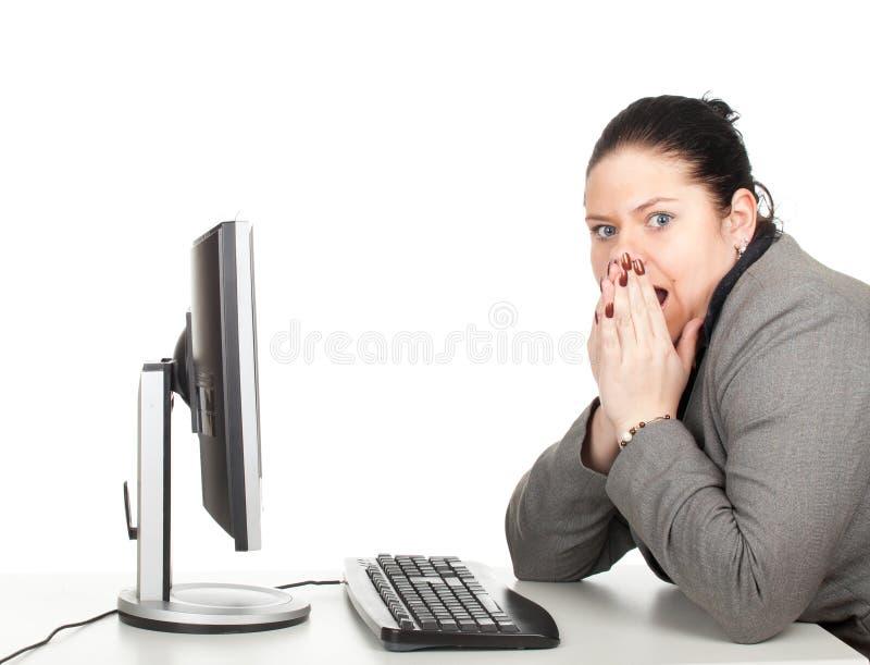 Mulher de negócios gorda com computador imagens de stock royalty free