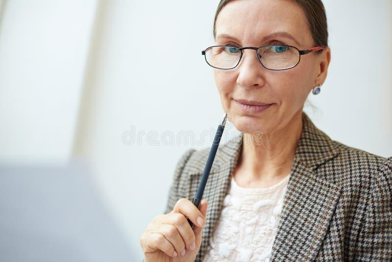 Mulher de negócios madura fotografia de stock
