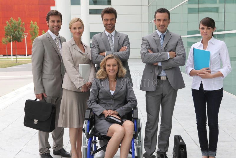 Download Mulher De Negócios Na Cadeira De Rodas Foto de Stock - Imagem de companhia, outdoors: 26503624