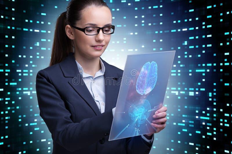 A mulher de negócios no conceito da inteligência artificial fotografia de stock