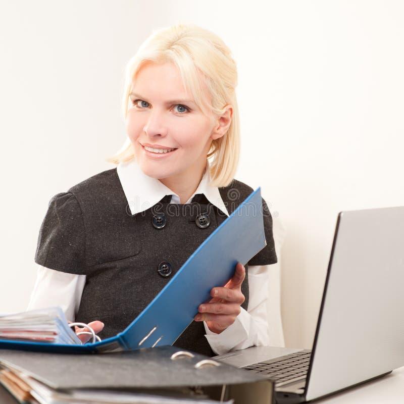 Mulher de negócios no trabalho fotos de stock royalty free
