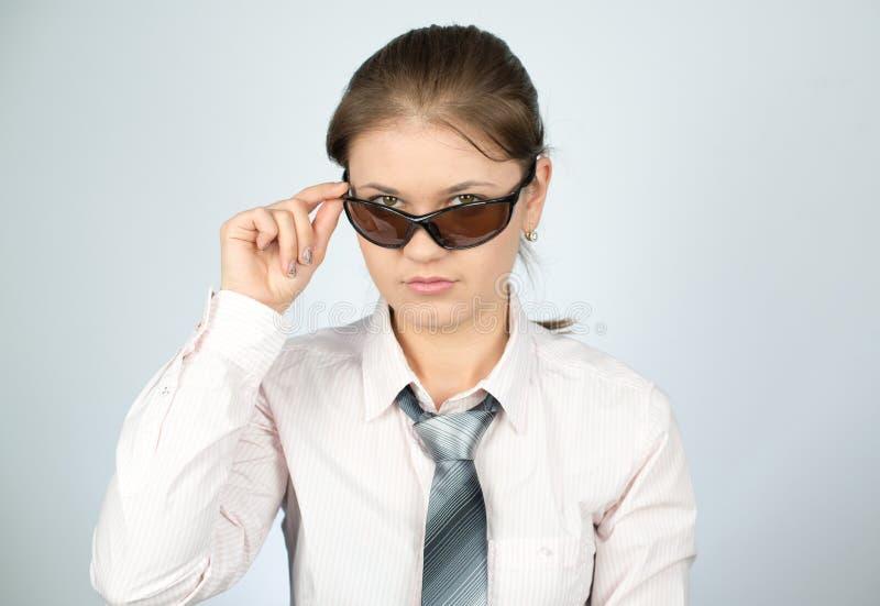 Mulher de negócios nova com vidros fotos de stock royalty free