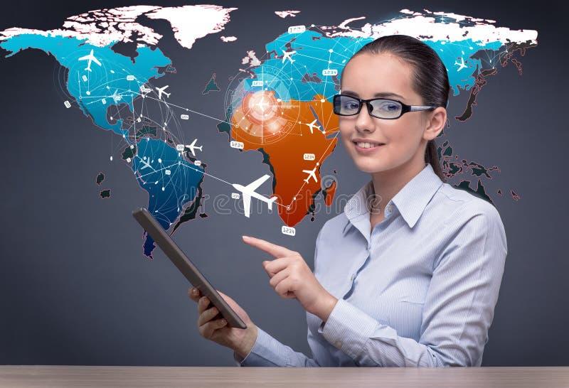 A mulher de negócios nova no conceito em linha do registro do curso fotos de stock royalty free