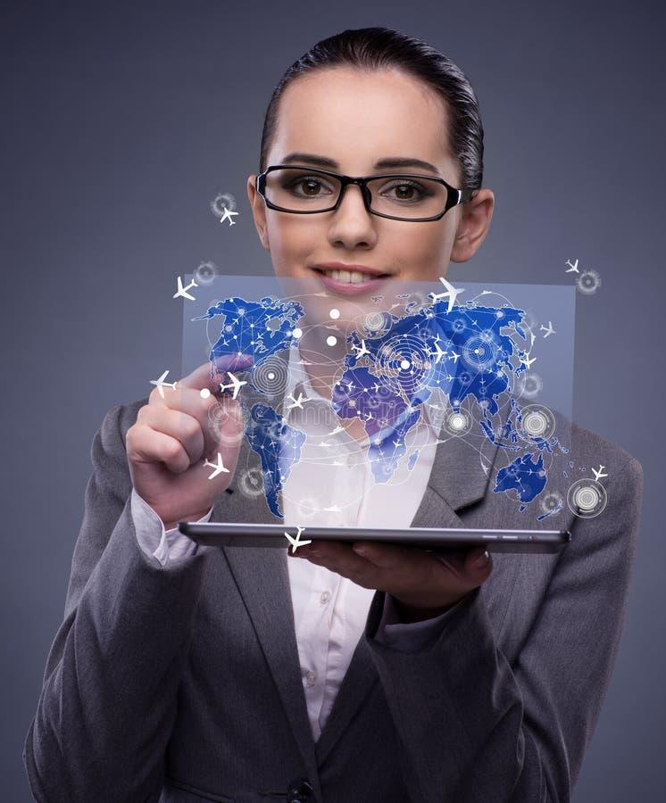 A mulher de negócios nova no conceito em linha do registro do curso imagem de stock