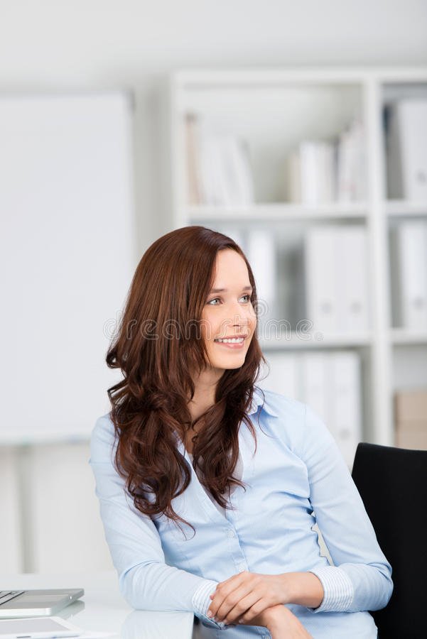 Mulher de negócios relaxado imagens de stock