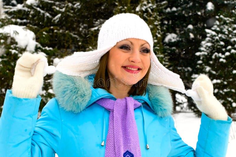 Mulher de sorriso nova fotografia de stock