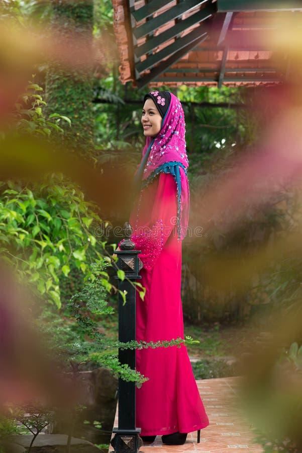 Mulher do árabe da fôrma imagens de stock royalty free