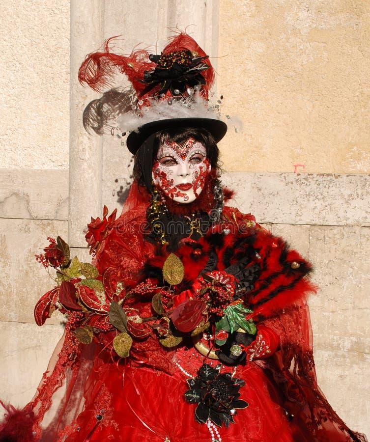 Mulher do carnaval no vermelho fotografia de stock