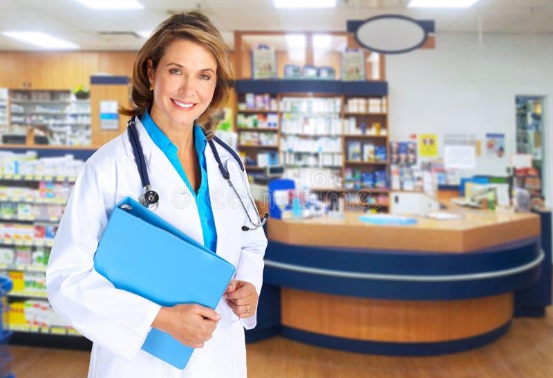 Mulher do farmacêutico. fotografia de stock