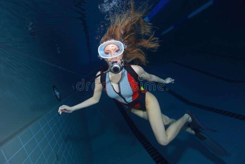 Mulher do mergulhador foto de stock