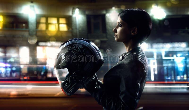 Mulher do motociclista fotos de stock