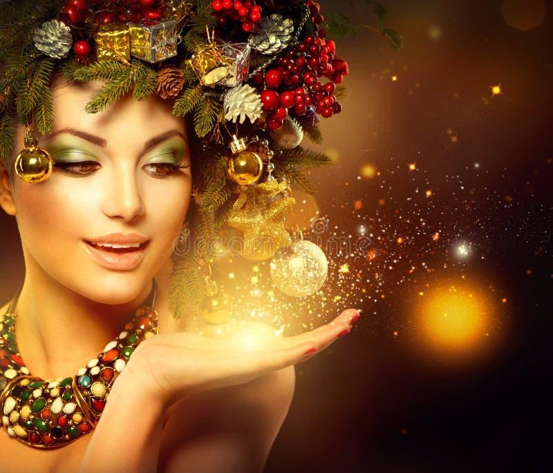 Mulher do Natal do inverno fotografia de stock royalty free