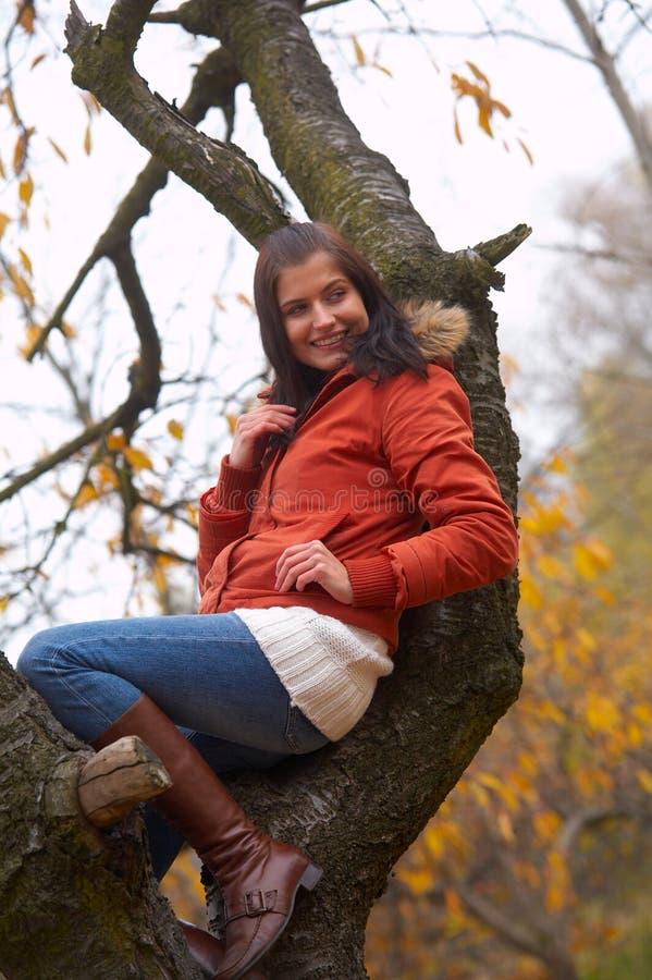 Mulher do outono imagem de stock royalty free