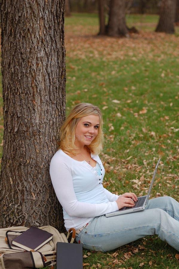 Mulher do portátil imagem de stock royalty free