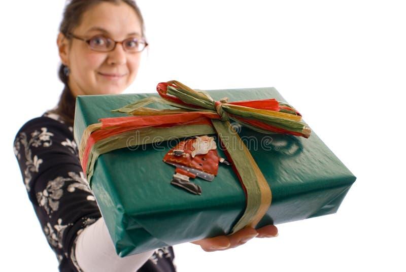 Mulher do presente do Natal foto de stock royalty free
