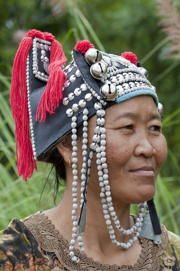 Mulher do retrato de Ásia, Akha imagens de stock