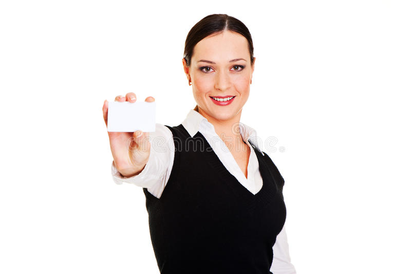 Mulher do smiley que mostra o businesscard fotos de stock royalty free