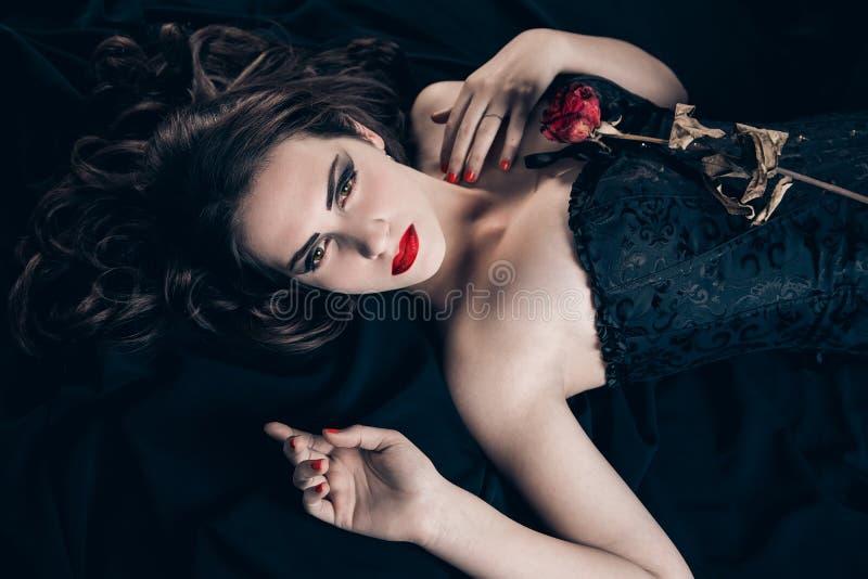 Mulher do vampiro fotografia de stock